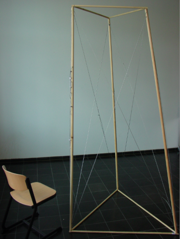 Frame with tensegrity structure